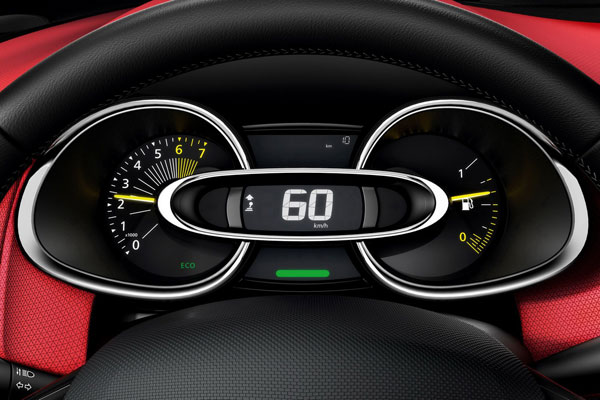 2013 Renault Clio Mk4 interior